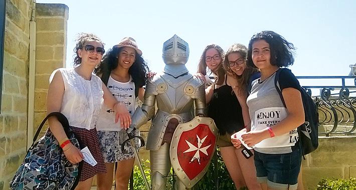 sejour-linguistique-malte-groupes-jeunes-parler-anglais