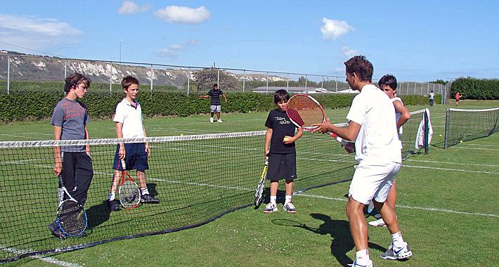 sejour-linguistique-angleterre-sport-tennis-avec-cours-visite-londres-famille