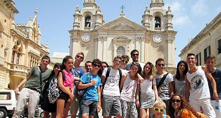 accueil-malte-jeunes-été-séjour-lingjuistique-bord-de-mer